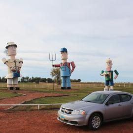 Tin Family on Enchanted Highway